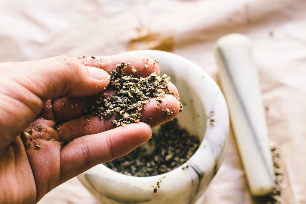La Petite Californienne: Crushing Hemp seeds