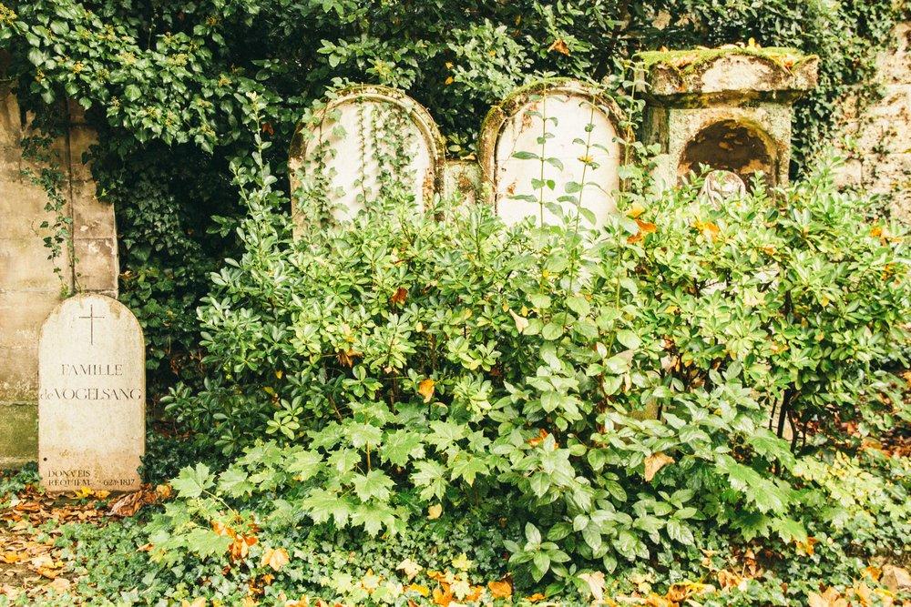 pere-lachaise-cemetery-2.jpg