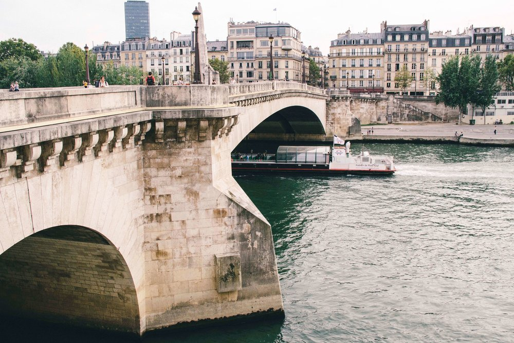 saint-louis-bridge.jpg