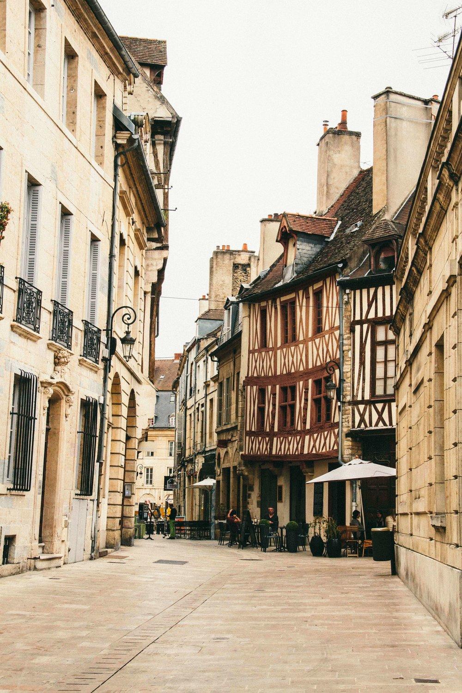 La Petite Californienne: Dijon, France