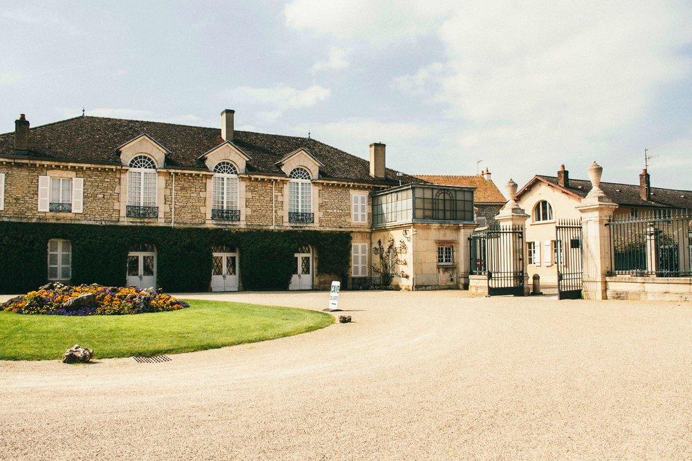 La Petite Californienne: Chateau Meursault