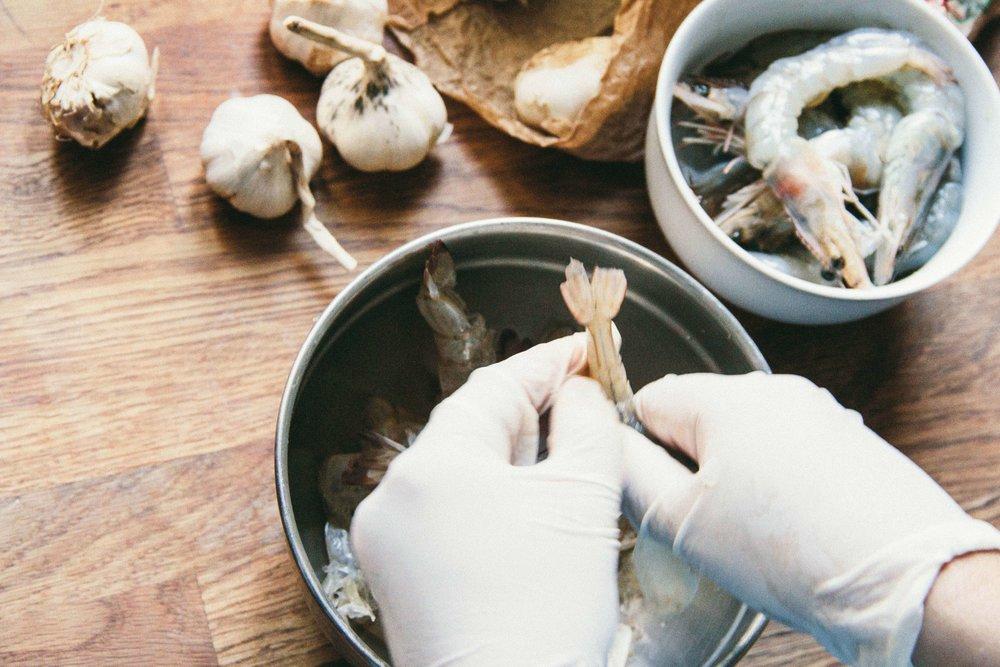peeling-king-prawns-2.jpg