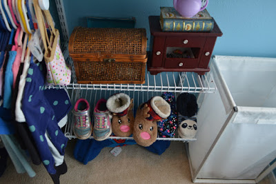 Rubbermaid HomeFree - 6 to 10 foot No Cut Closet Kit Shoe Rack