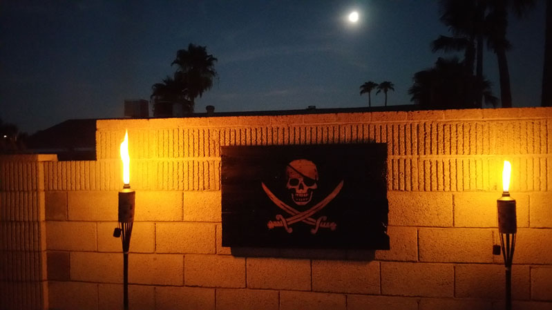 pirate_flag_torches.jpg