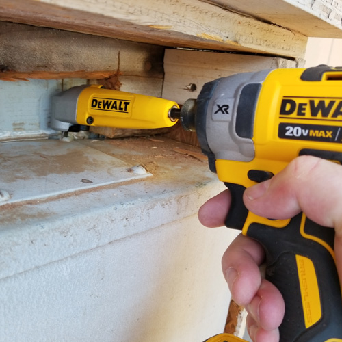 Dewalt-right-angle-attachment.jpg