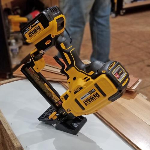 8-Dewalt_cordless_flooring_nail_gun.jpg