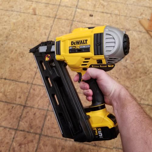 8-Dewalt_20V_MAX_framing_nail_gun.jpg
