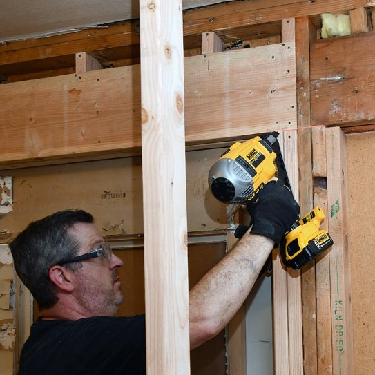 DeWalt DCN692 20V Max XR Brushless Dual Speed Nailer
