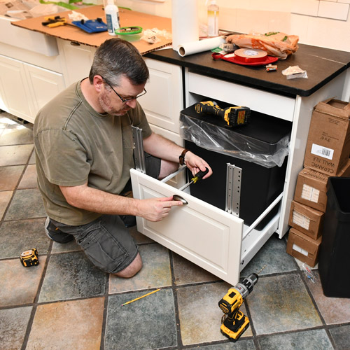 11-install-cabinet-pull.jpg