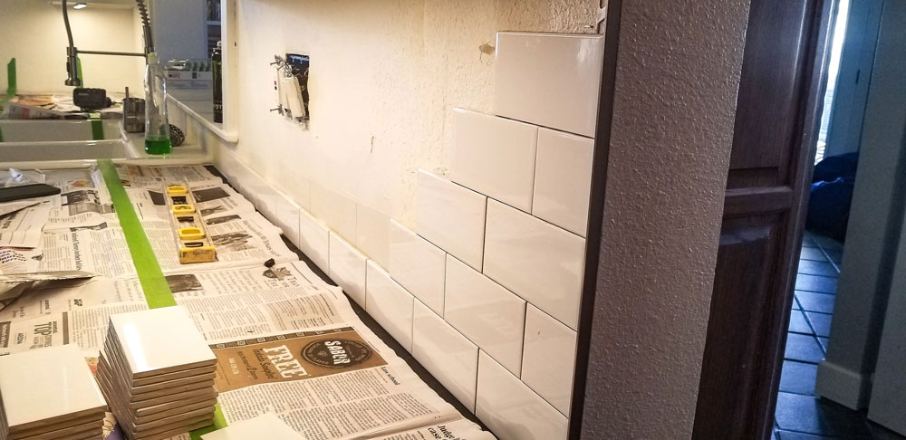 04-subway-tile-backsplash.jpg