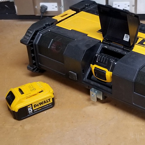 Charge 20V & 12V Batteries
