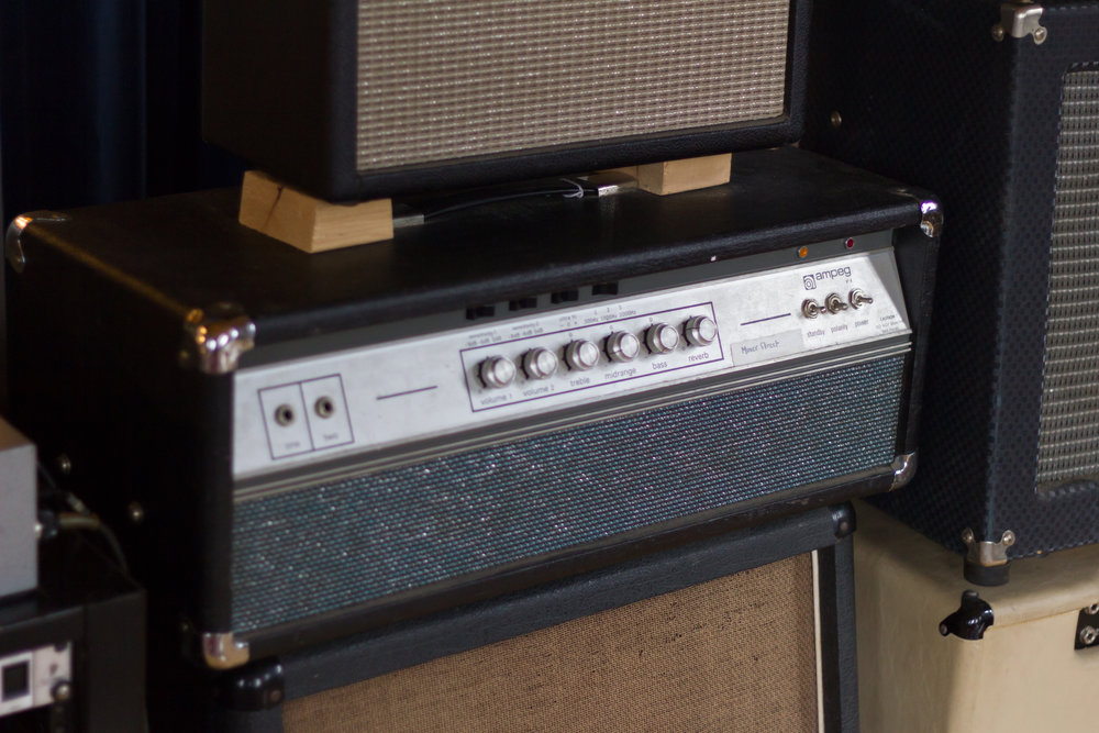 Ampeg Custom modified V4 head