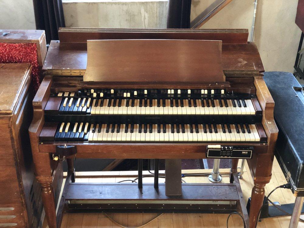 Hammond B-2 Organ