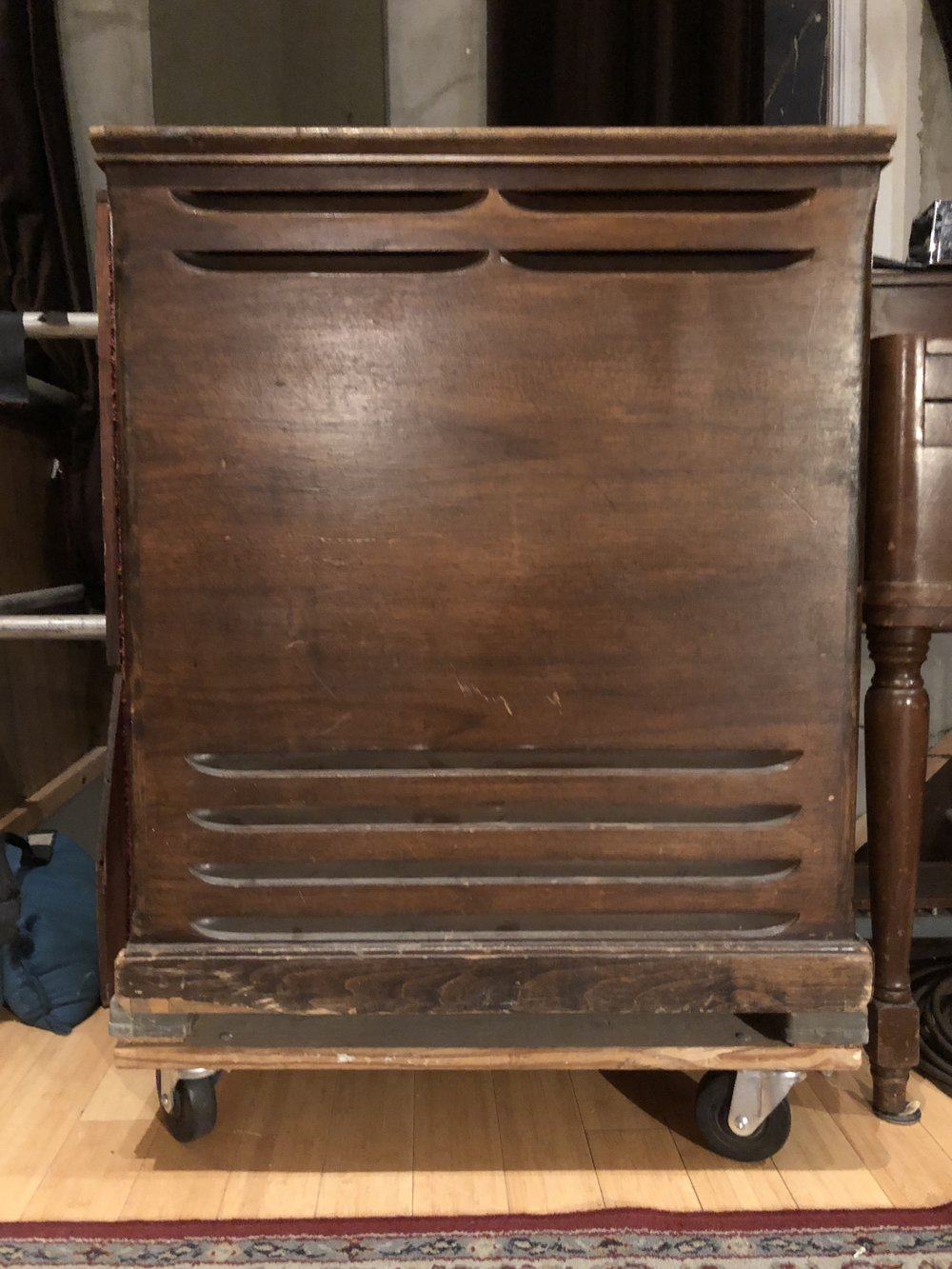 Leslie 145 rotating speaker cabinet
