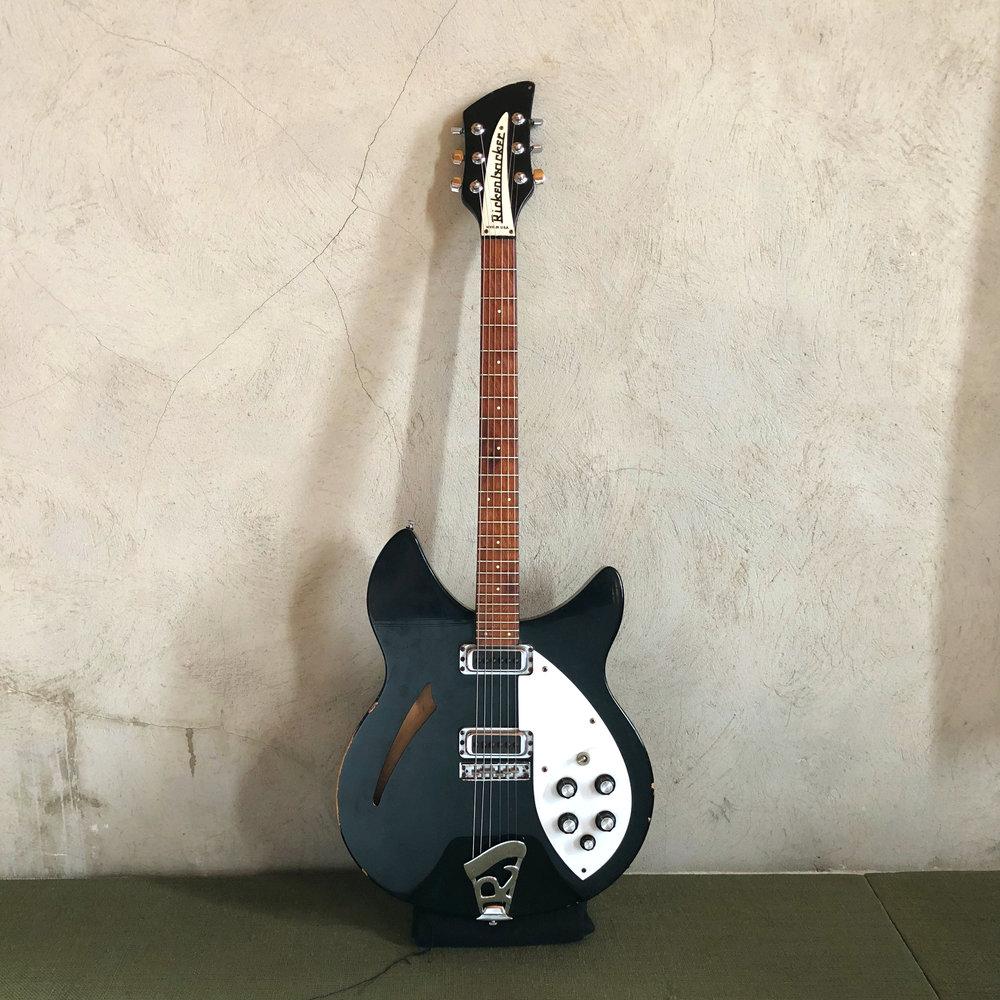1989 Rickenbacker 330