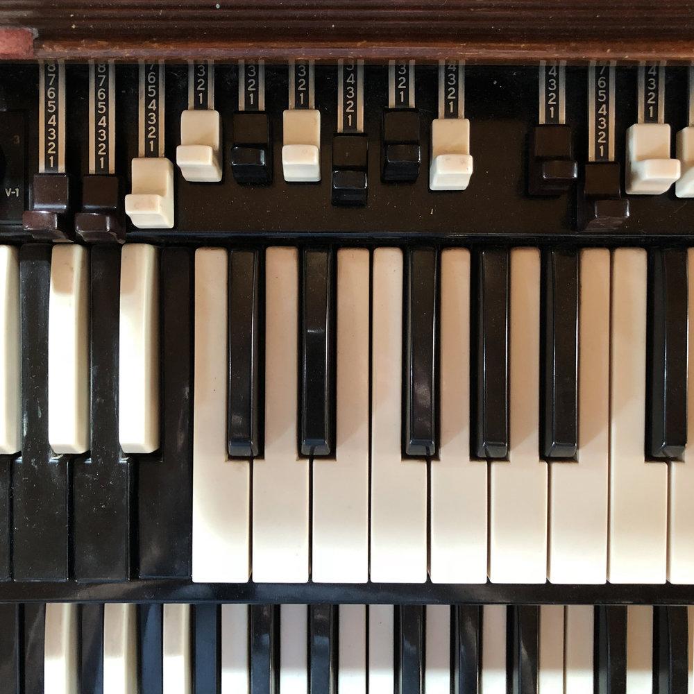 Hammond B2 Organ