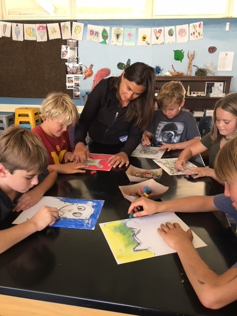 Asli Ruf (center), leading her Art Class at Topa Topa Elementary School. Asli volunteers her time teaching art, and serving in key leadership roles in several PTOs across the district to fundraise and improve the quality of the educational experience for students, teachers and families in the Ojai Valley.