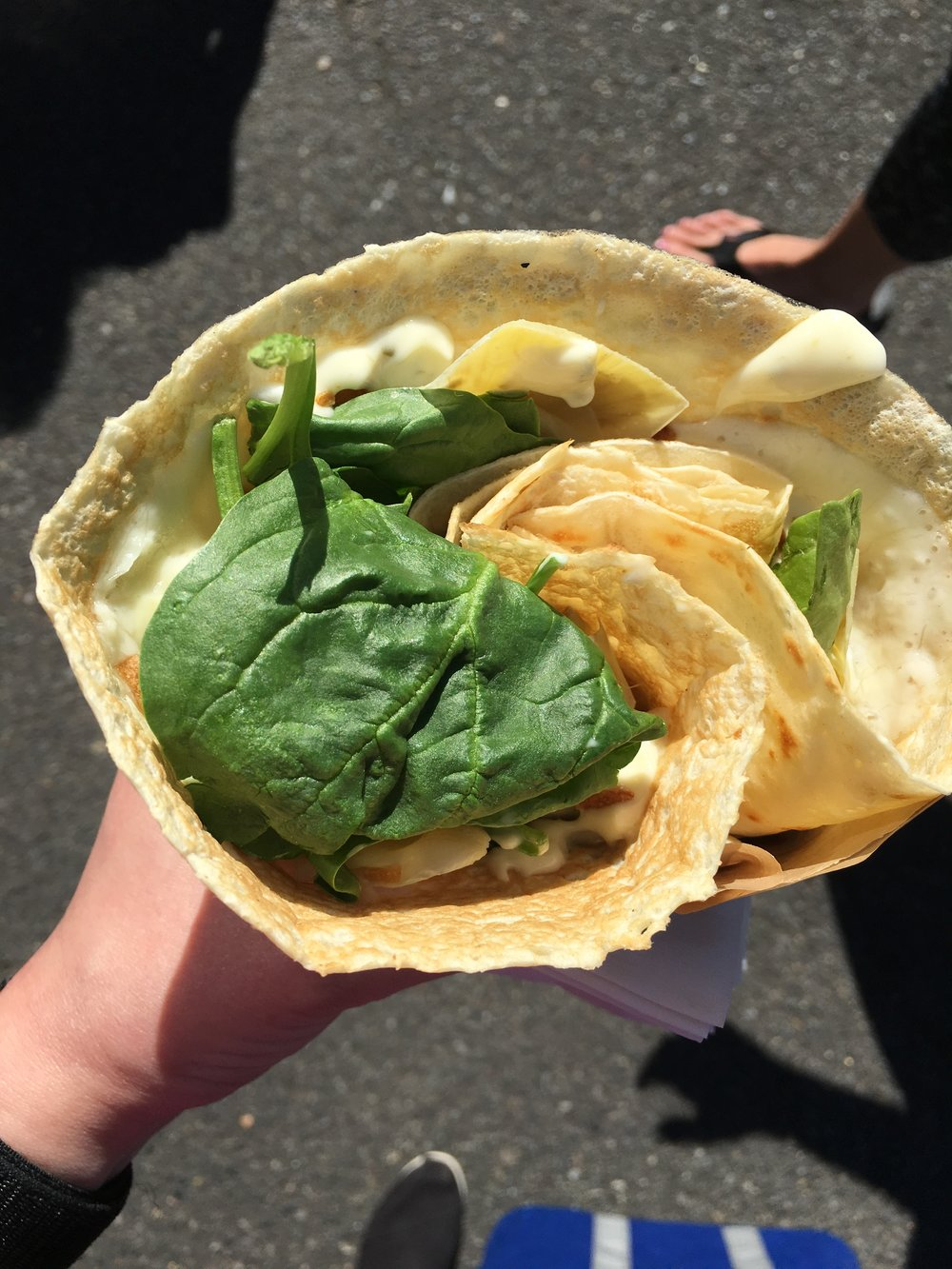 I had a day date with my sister on Sunday. Yoga class then crepes from the farmers market. This one had artichokes, spinach, crispy shallots, and some sort of delicious creamy sauce.
