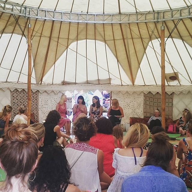 A very special talk with @hemsleyhemsley all about the #artofeatingwell #healthyliving #instyle #wellbeing
