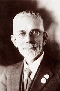 "William Samuel Pender (1866-1931), Co-Founder and Director of Pender Bros and Founding Editor of ""The Australasian Beekeper"""