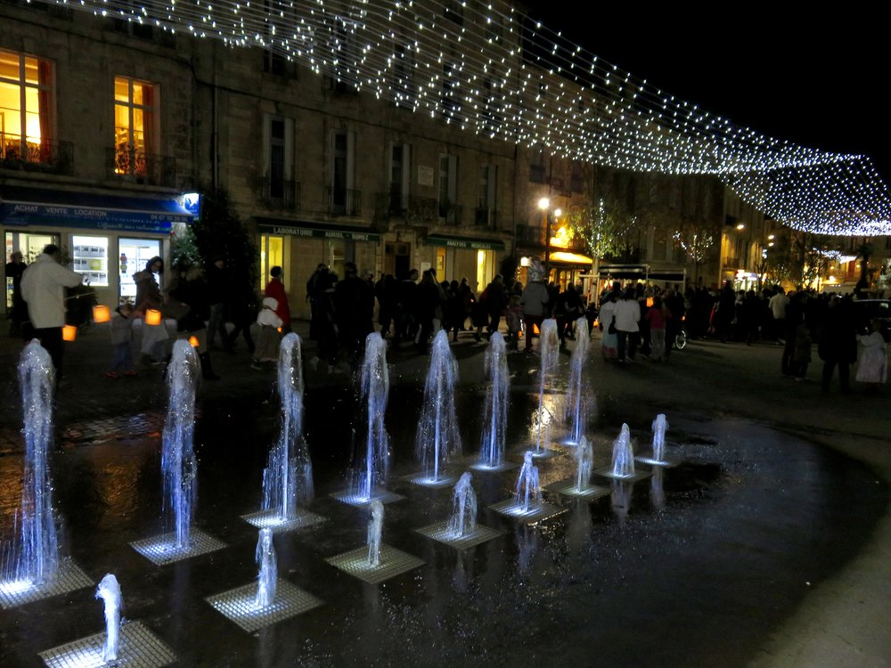 Pézenas, dressed in holiday style...