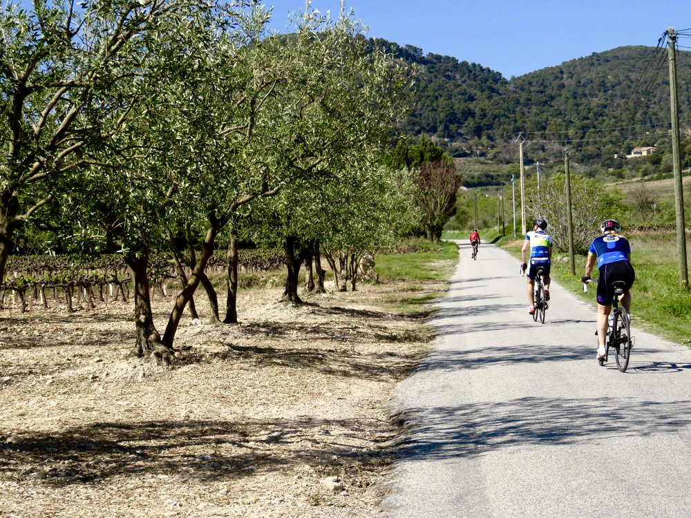 Ahhh...love Côtes du Rhône cycling with friends from home!