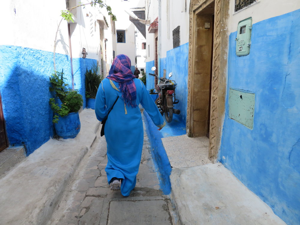 Strolling the medina of the Blue City...