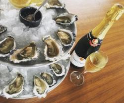 Taittenger-Oysters.jpg