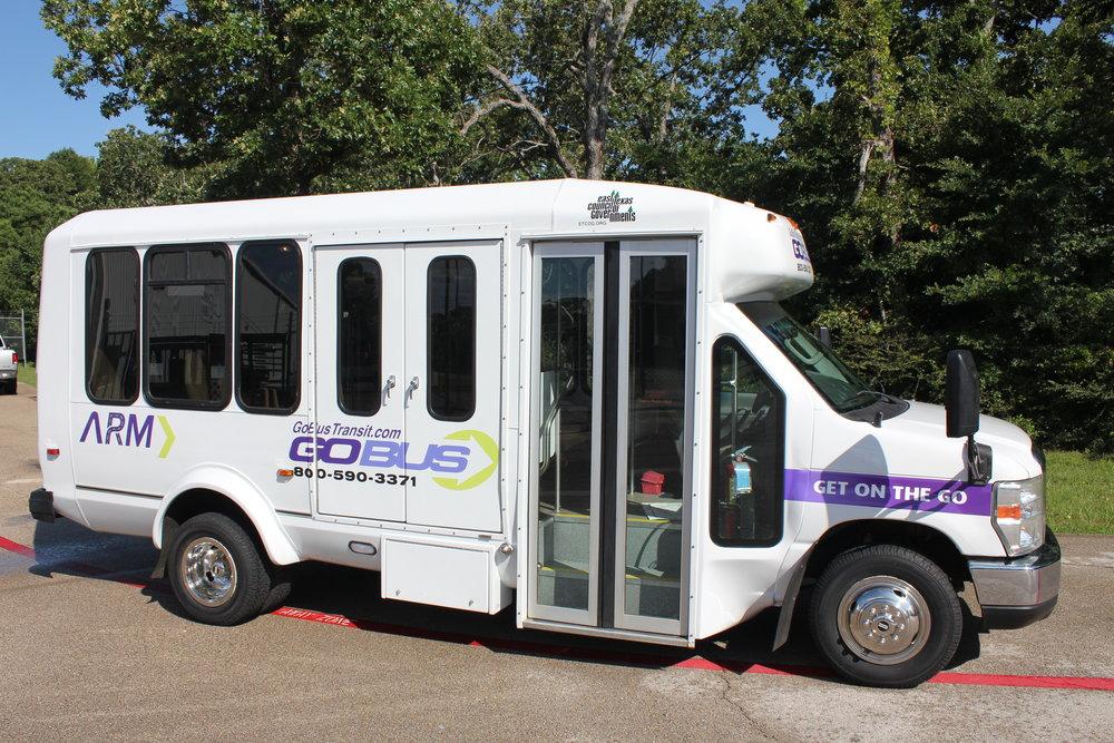 Bus, 2009 Ford E-350
