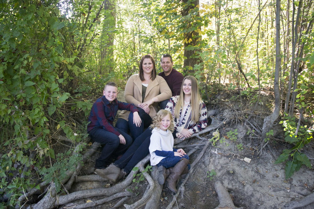 Fall Family Special - $200.00Includes Session 10 digitals with release to print8x10 & 2-5x7's10% off additional print or product purchaseBook Now