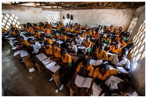 500€  - vous donnez du matériel scolaire à 120 enfants et du matériel pédagogique à 3 enseignant(e)s