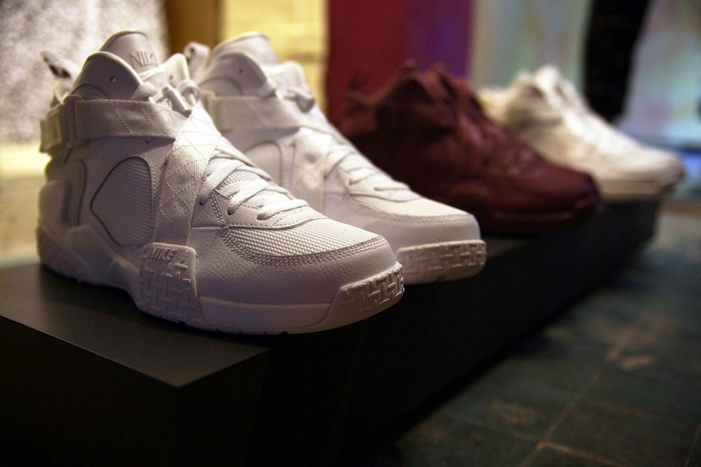 nike-pigalle-air-raid-preview-2