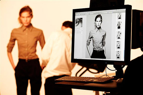 uniqlo-plus-j-spring2010-behind-the-scenes-02.preview