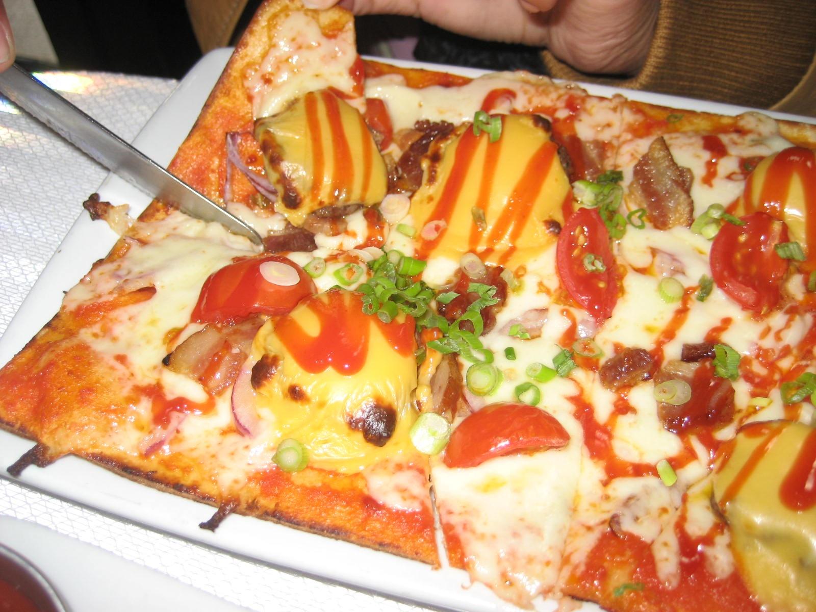 pizzacheeseburger.jpg