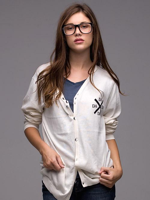 ac_km_dada_sweater_w_anna_lg1.jpg
