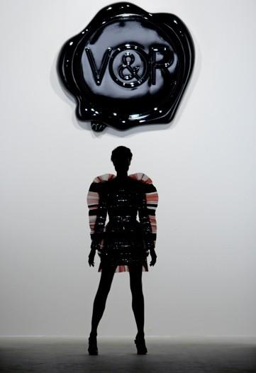 v-and-r01.jpg