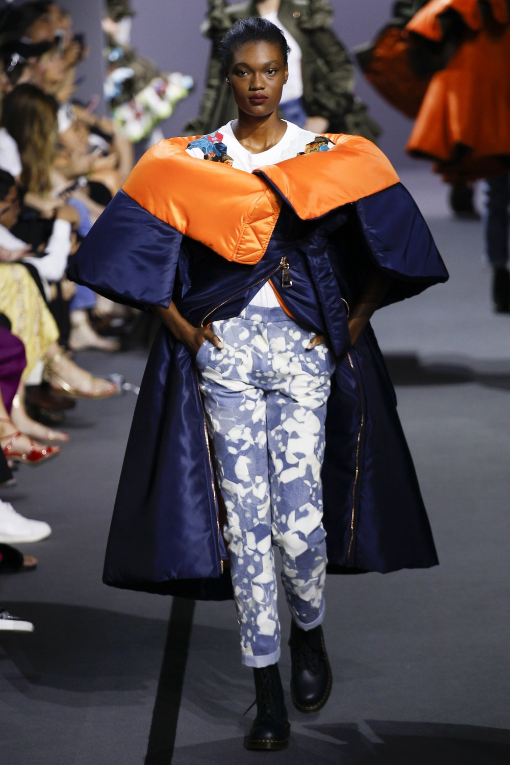 Viktor & Rolf Haute Couture AW17 (also top image)