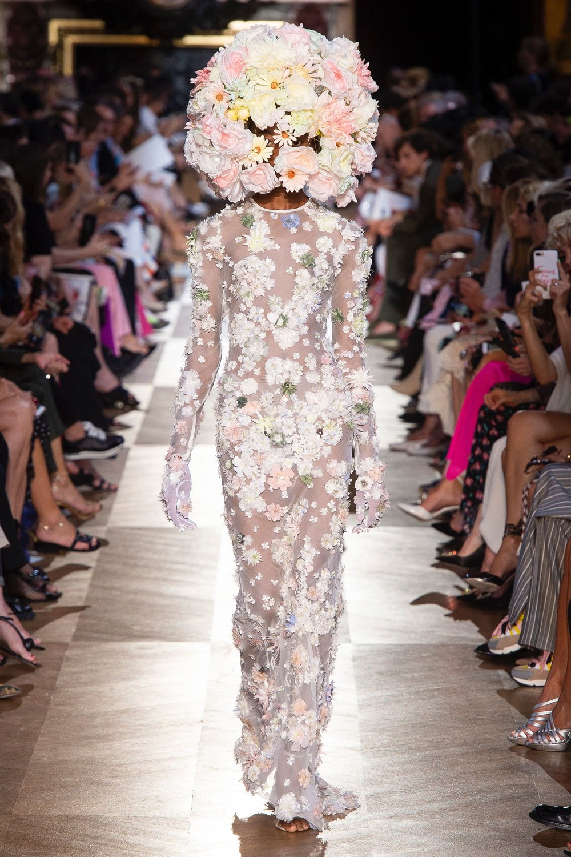 Schiaparelli_AW18_couture 5.jpg