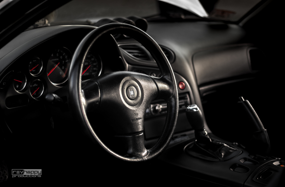 The classic Nardi steering wheel sets off the interior perfectly, deliverig a near-oem look.