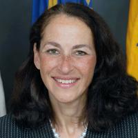 Dr. Margaret Hamburg  (Commissioner, Food and Drug Administration)