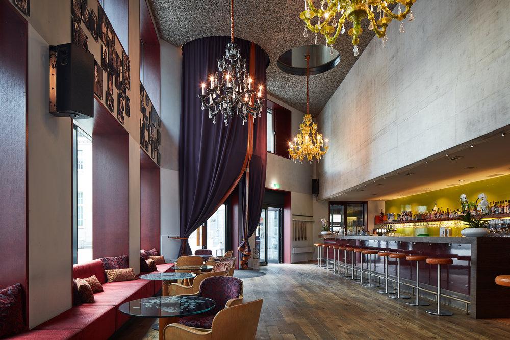 Bar/Lounge -