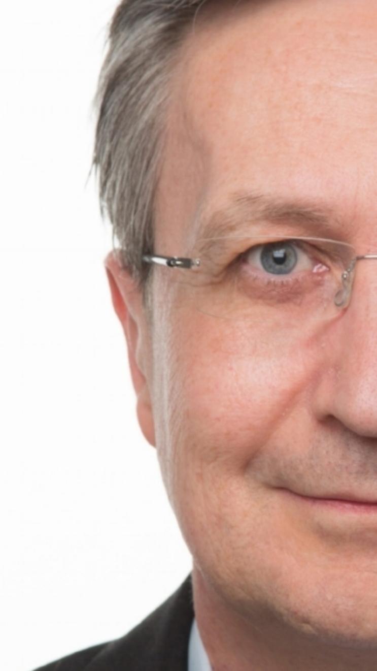 Prof. Dr. Roland Eckert(Diplom-WirtschaftsingenieurTH Darmstadt) -