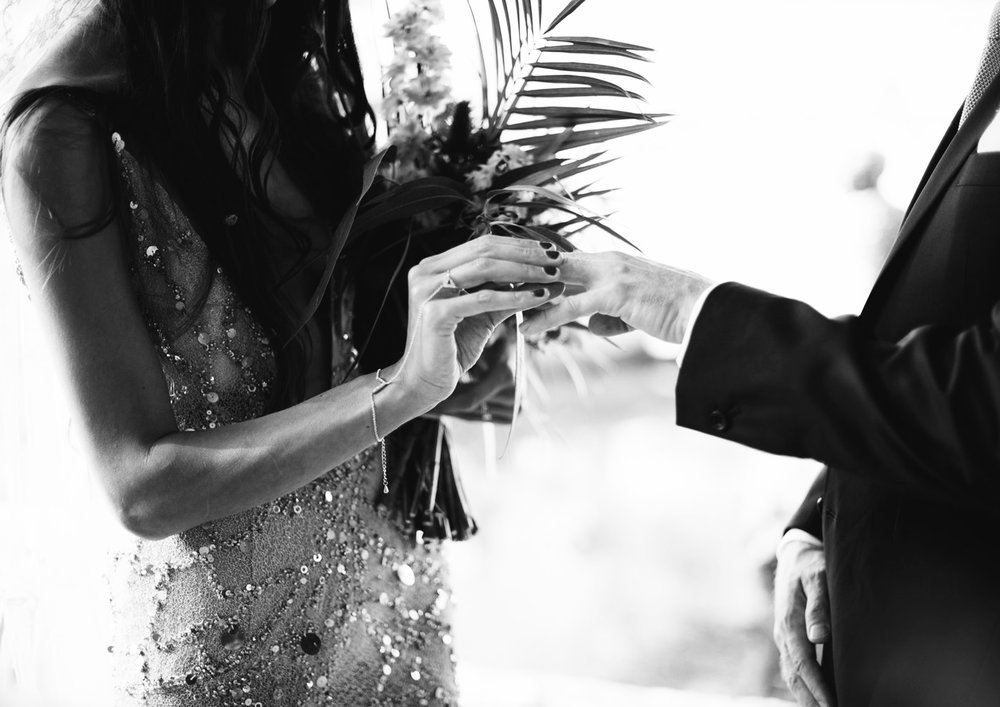 Christine & Duncan - Celestial and exotic meets rustic and wild, join the garden REAL WEDDING of Christine & Duncan featuring an exclusive BRIDAL INSTINCT interview.