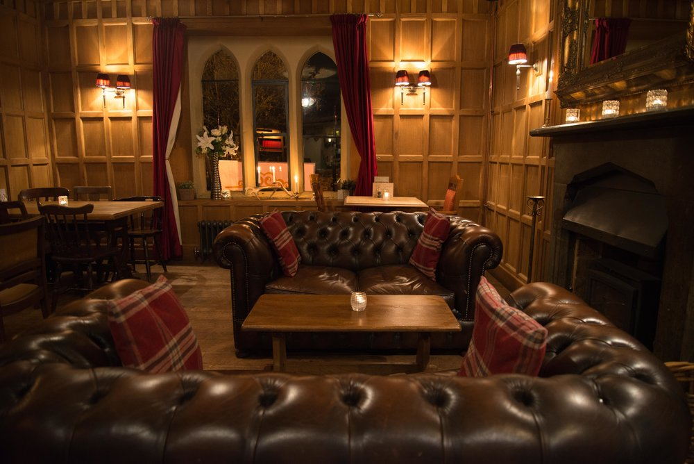 Come and relax in our country pub in Leamington Spa