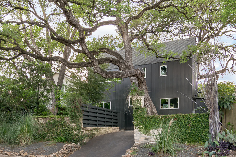 Austin Modern Farmhouse.jpg