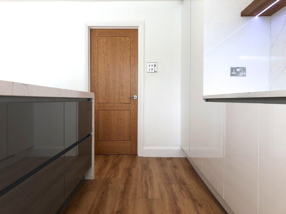 Perfect Gloss True Handless Kitchen Finchampstead - after May18 758.jpg