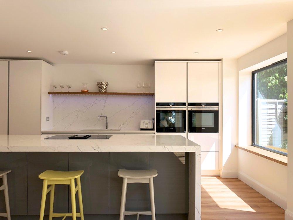 Perfect Gloss True Handless Kitchen Finchampstead - after May18 754.jpg