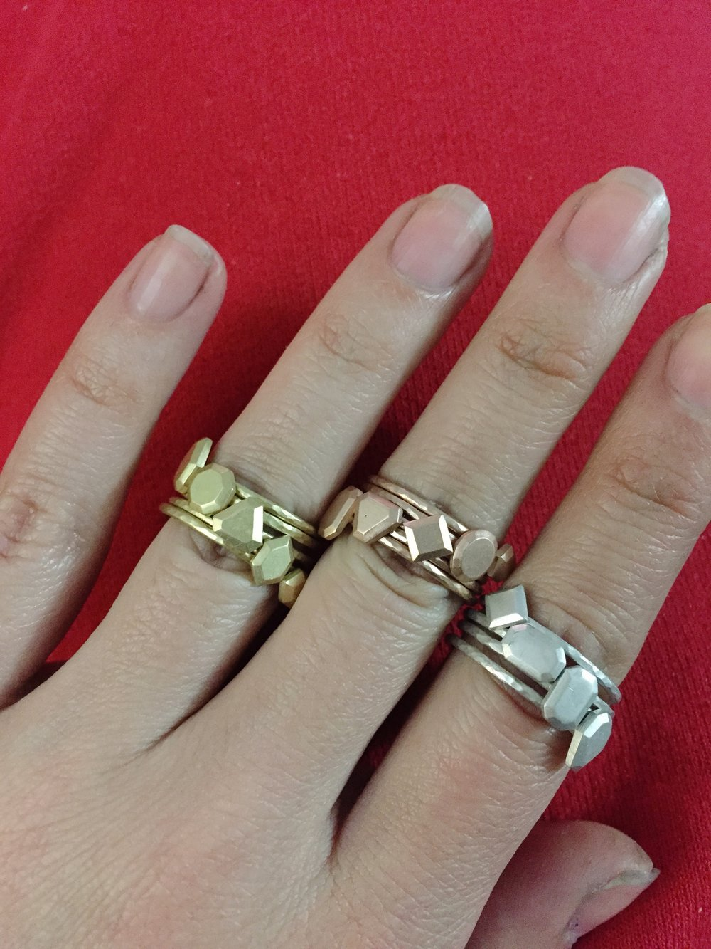 Stacks in yellow gold, rose gold and silver