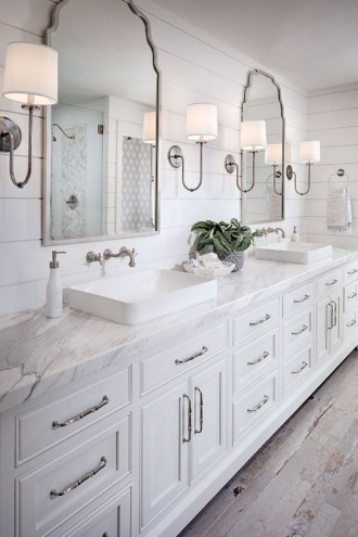 3. The right lighting to evoke peace - Lighting can affect your mood. That's choosing the right lights to set the mood to your bathroom. Choose the lamp with a dimming function to put above the bathtub, and put the brighter light near the washing basin or around the mirror for functionality.