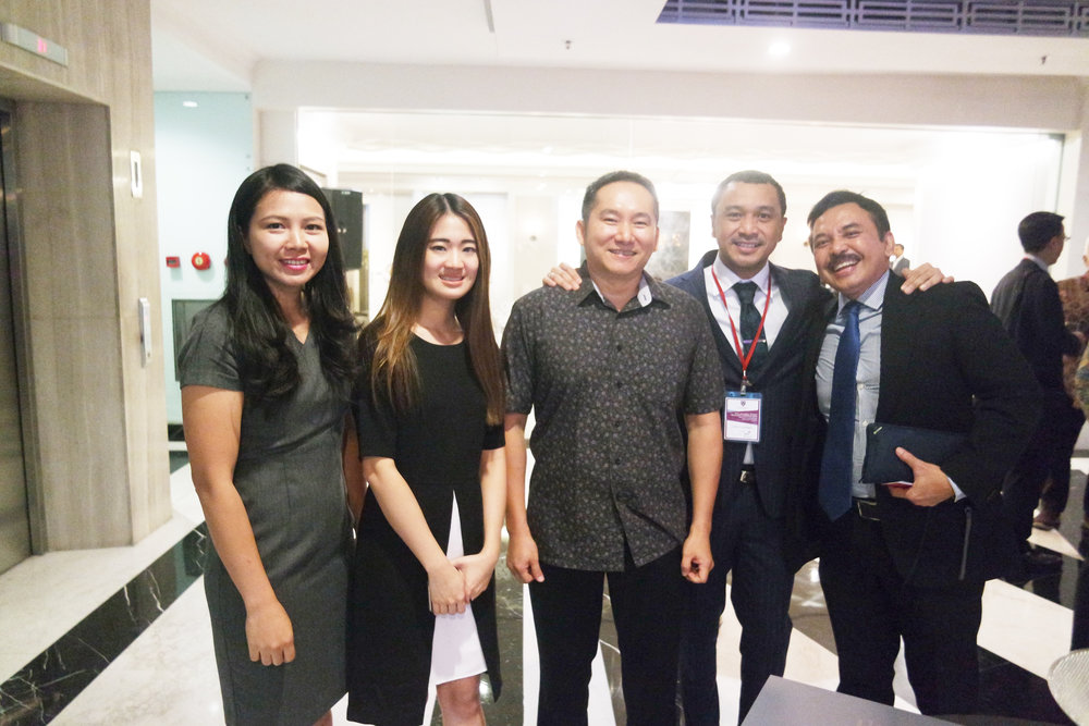 Anne, Monyca, Edy (Team Marketing), Giring (Nidji Band) and Thomas Lembong (Head of BKPM)  at 'Global Fight Against Corruption' Seminar by Prof. Matthew C. Stephenson (Harvard Law School) .